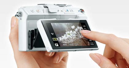 Touch AF Shutter lets you be creative with every shot, capturing images instantaneously